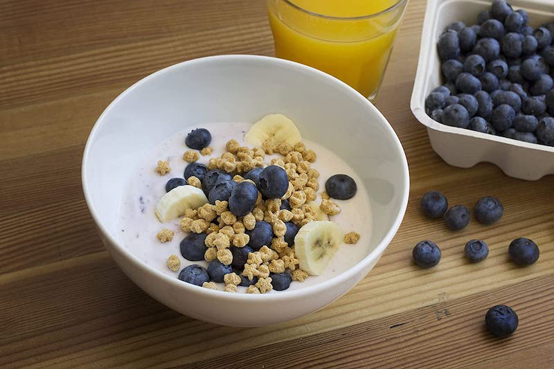 cereal with fiber, blueberries and bannanas
